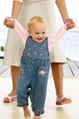 Como ayudarle a caminar a nuestro bebe